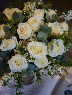 Bouquets de roses blanches