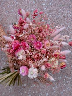 Bouquet de fleurs séchées camaïeu de rose