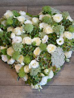 Marie rend hommage : les compositions de deuil