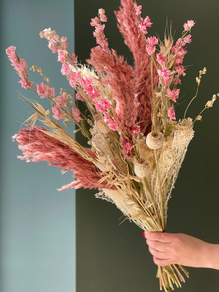 Bouquet de fleurs séchées rose pastel